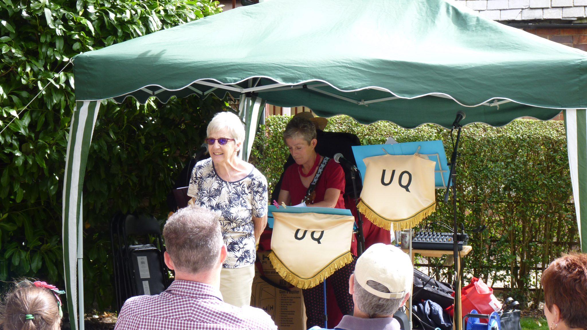 """Gill Noble introducing """"UQ"""" the Ukulele band"""